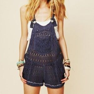 🎉HP🎉 Free People Beach Crochet Overall Shorts